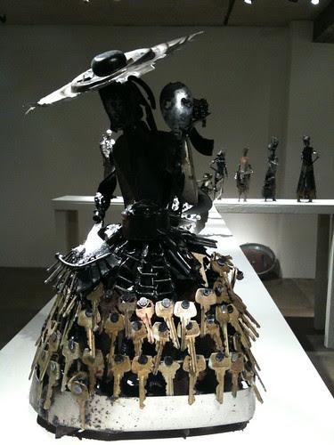 Olu Amoda sculpture