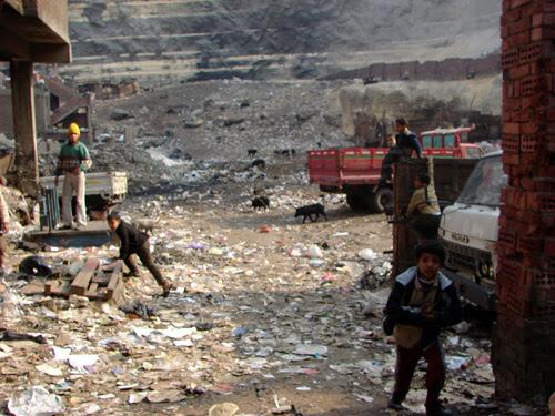 http://www.guernicamag.com/incl/img/upl/2007/08/Egypt001.jpg