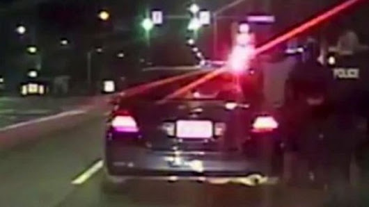Seattle police deliver baby after pulling over speeding car - BBC News