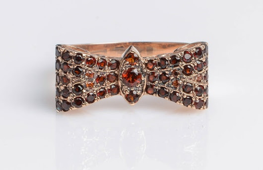 Butterfly ring with Garnet in 14K Rose Gold // Vintage