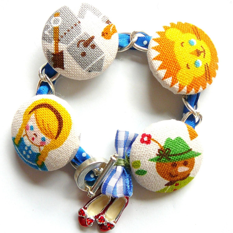 the wizard of oz ruby slippers charm bracelet