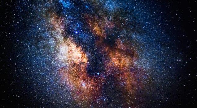 Si doblas tu tamaño por minuto, en hora y media alcanzarías el universo