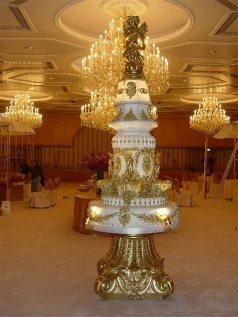 Royal wedding cake designs in Kuwait   15Pics   Curious