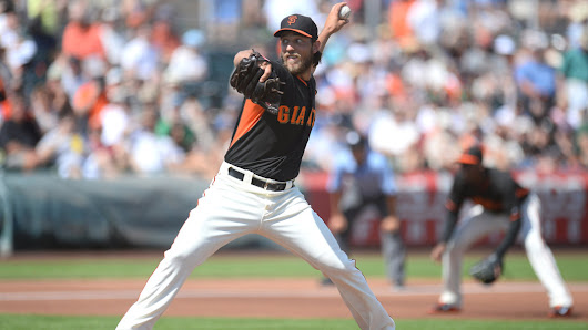 Giants steamroll Padres, 11-3