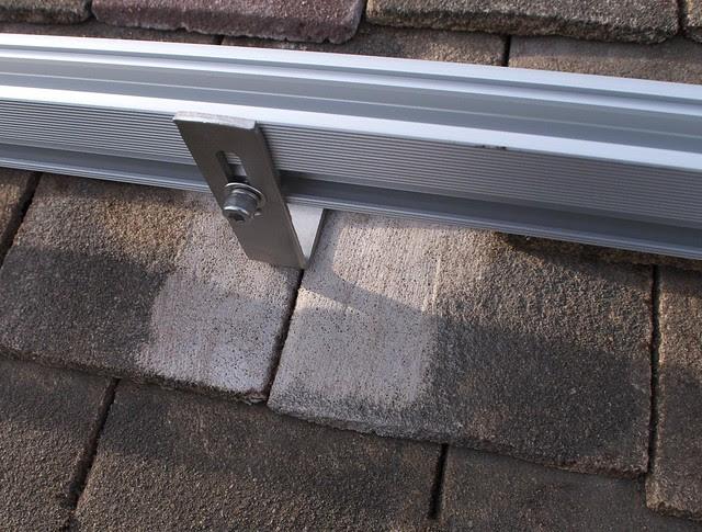 DSC_7174 Fitting solar PV