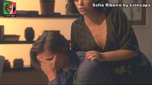 Sofia Ribeiro sensual em vários trabalhos