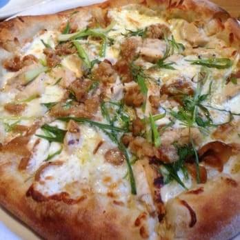 California Pizza Kitchen Roasted Garlic Chicken Pizza Recipe