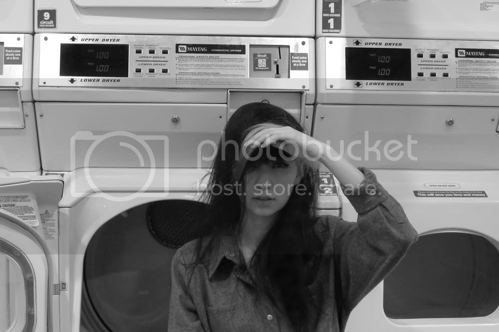Sabinna at the laundry in Manchester; Broken Cookies Laundry