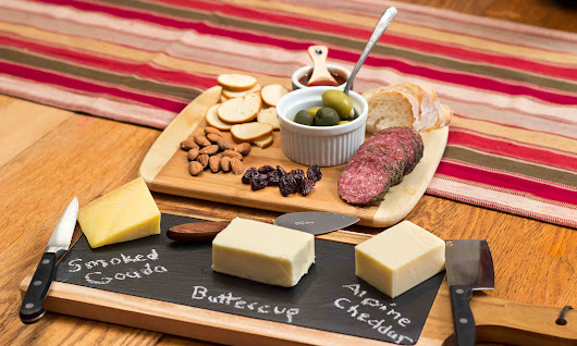 Tips for The Ultimate Holiday Cheese Board