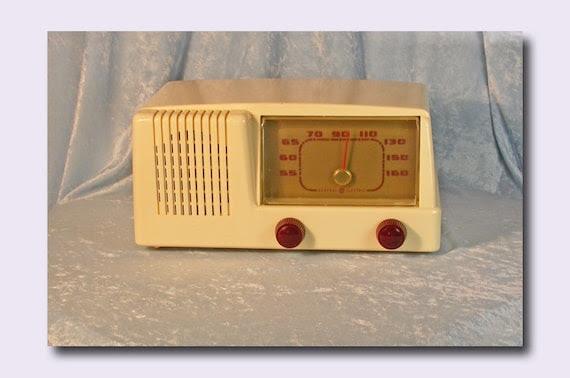 ge radio red knobs plastic