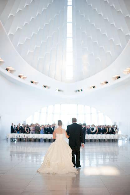 Milwaukee Art Museum Wedding Ceremony   Elizabeth Anne