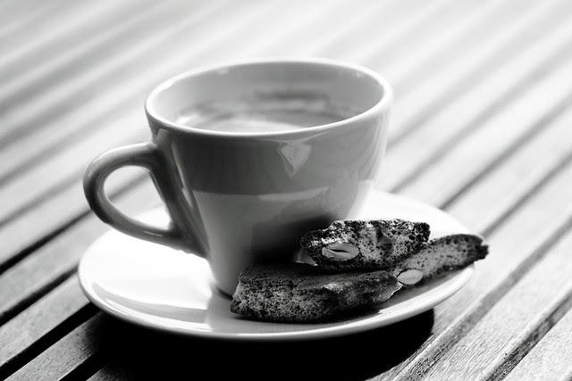 Espresso Lungo e Biscotti