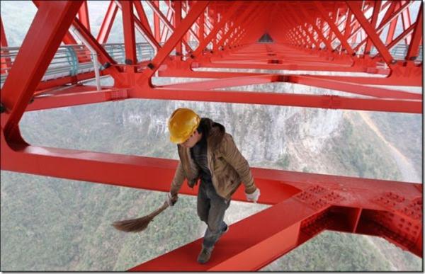China opens record breaking 4,000 ft long Bridge_001