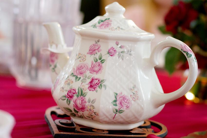 rose tea pot