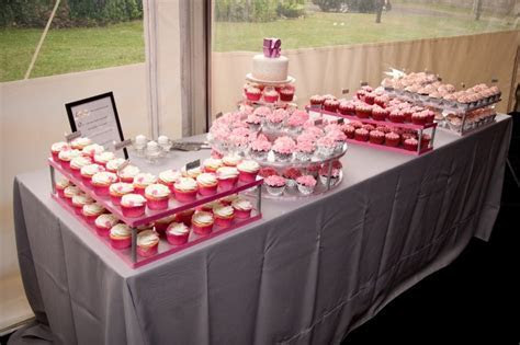 Best 25  Cupcake display ideas on Pinterest   Diy cupcake