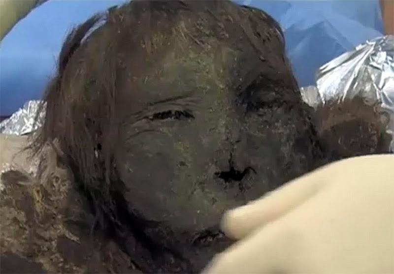 Perierga.gr - Η «Πριγκίπισσα των Πάγων»: Εκπληκτικά διατηρημένη μούμια βρέθηκε στον Αρκτικό Κύκλο