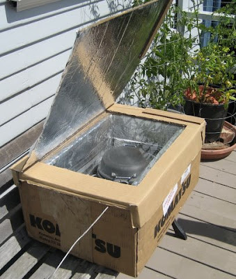Photo of a solar oven, solar cooker
