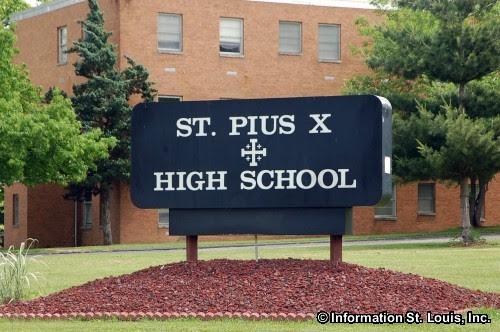 http://media.connectingstlouis.com/500/st-pius-x-high-school-sign.jpg