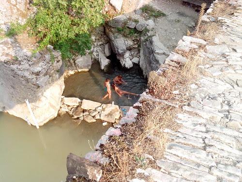 Alle acque termali di Benje by Ylbert Durishti