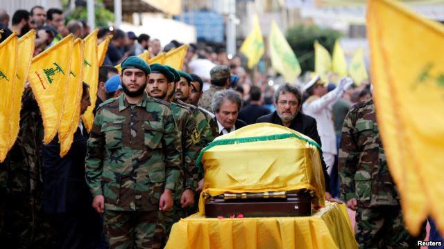I funerali del comandante militare di Hezbollah Badraddine (Foto: Reuters)
