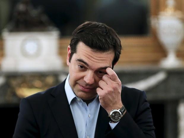 O primeiro-ministro grego, Alexis Tsipras, durante cerimônia em Atenas, Grécia, neste sábado (18) (Foto: Reuters/Alkis Konstantinidis)