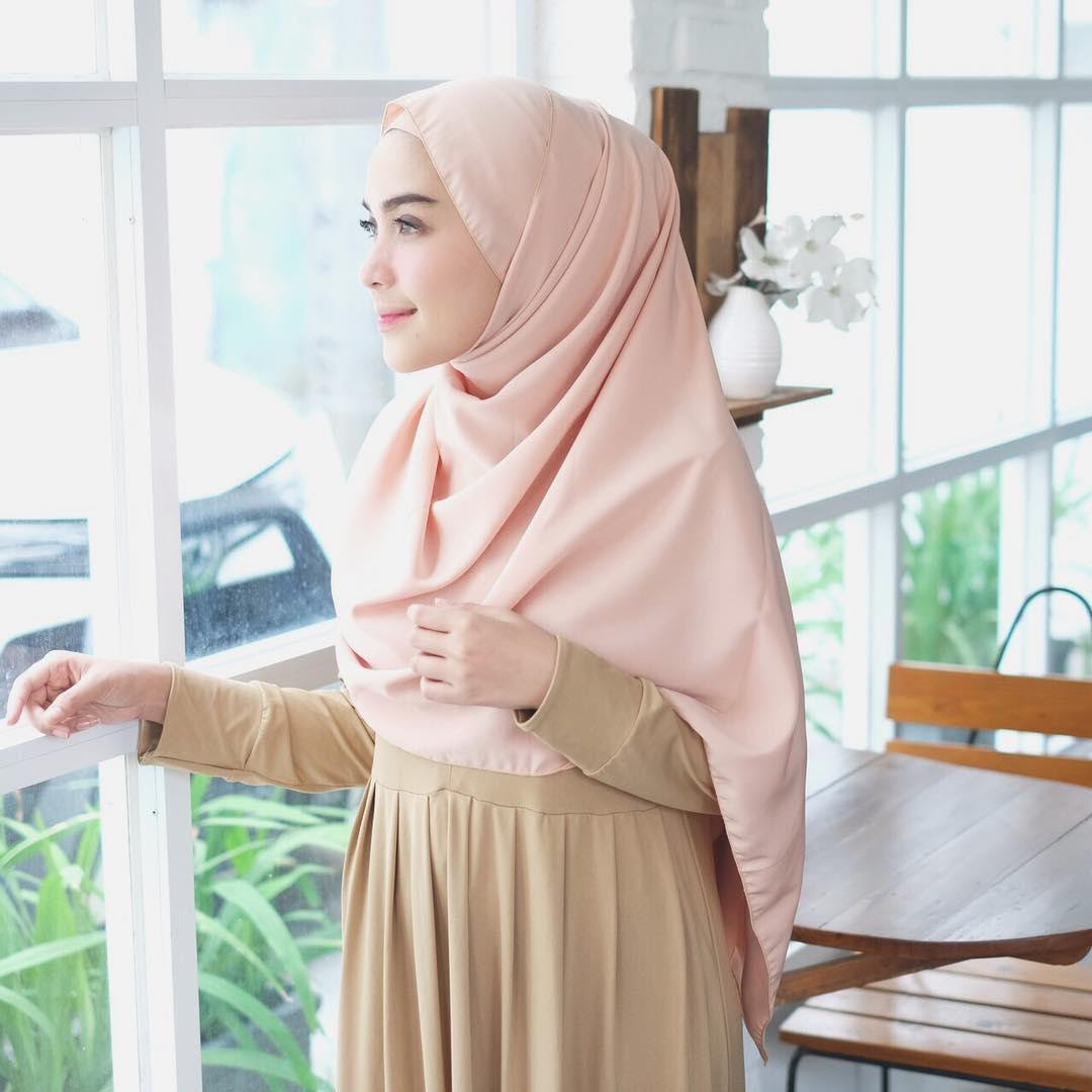 Warna Hijab Yg Cocok Untuk Baju Warna Coklat Susu - Jilbab