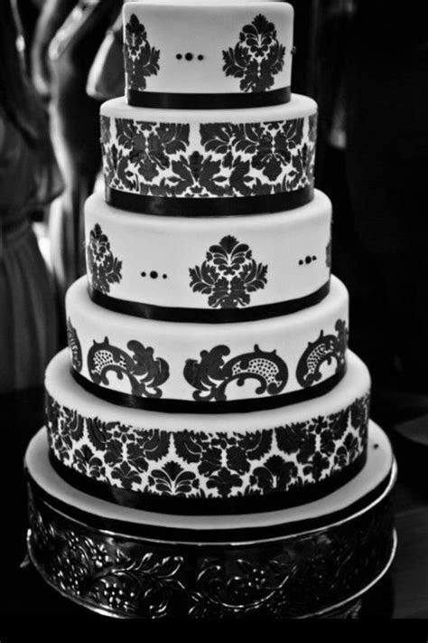 wedding cake black and white damask #wedding #cake #
