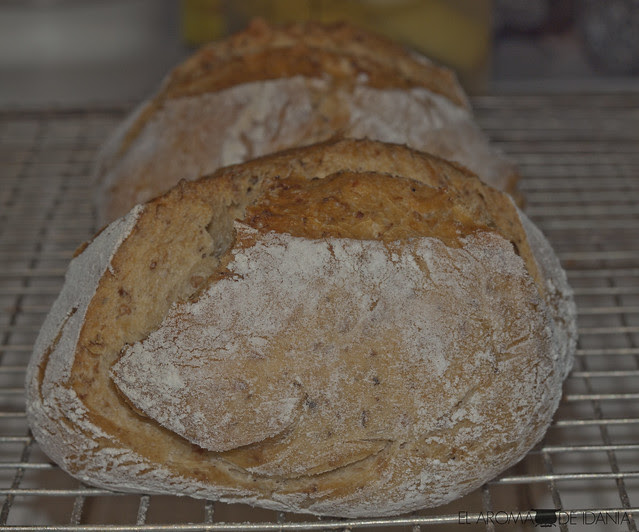 Pan rústico aromático