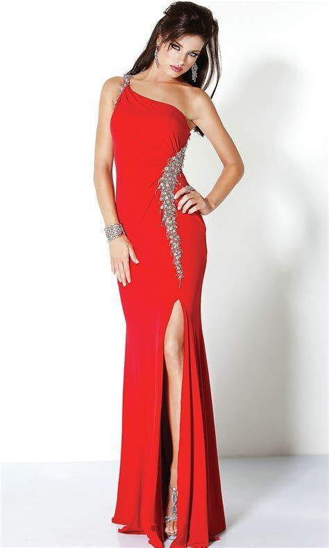 Red Gown   Dressed Up Girl