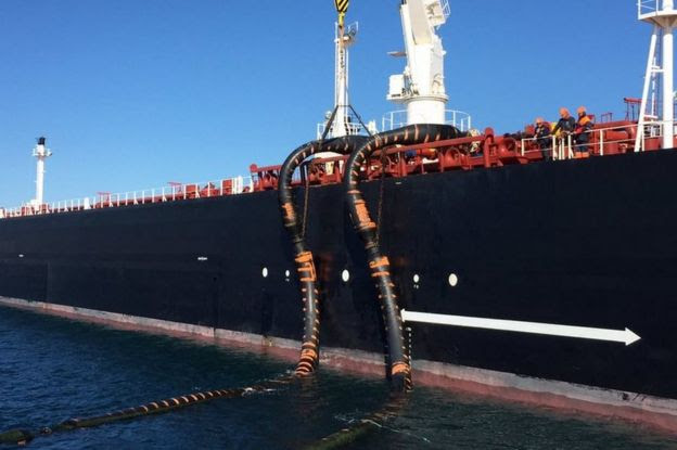 The Monte Toledo offloads Iranian crude oil in the Spanish port of San Roque, 6 March