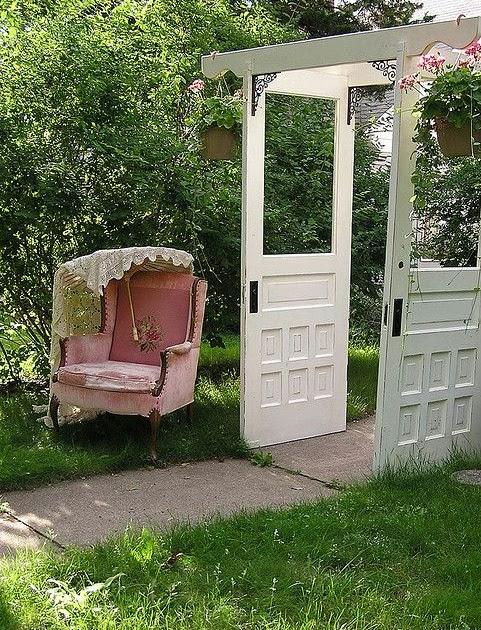 Beautiful garden decors ethan garden design ideas for Find a garden designer