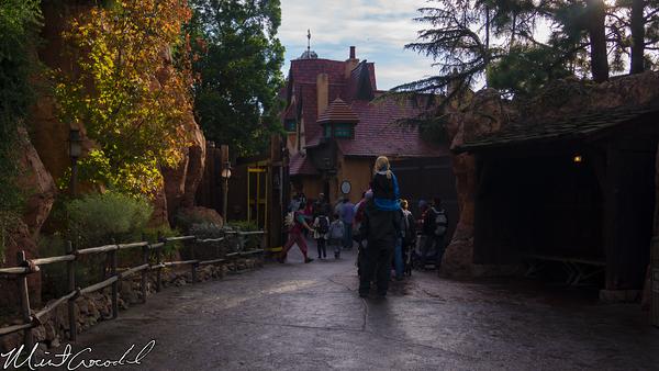 Disneyland Resort, Disneyland, Fantasyland, Frozen, Meet, Greet, Line, Queue