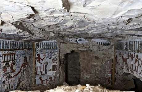 Imagem da tumba encontrada em Luxor Foto: Ayman Damarny / EFE