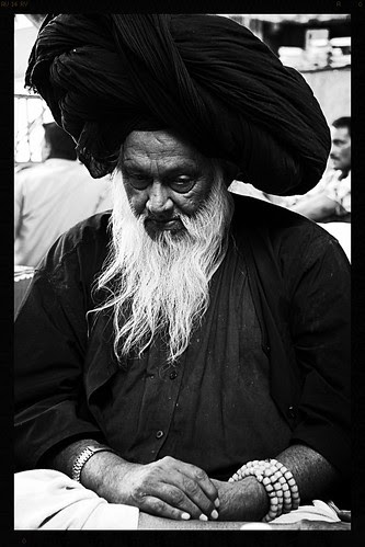 Dam Madar Peer Syed Masoom Ali Baba Madari Asqan by firoze shakir photographerno1