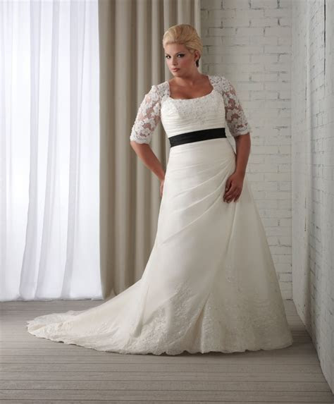 Weddingzilla: Hot Styling for Curvy Brides, Gorgeous Plus