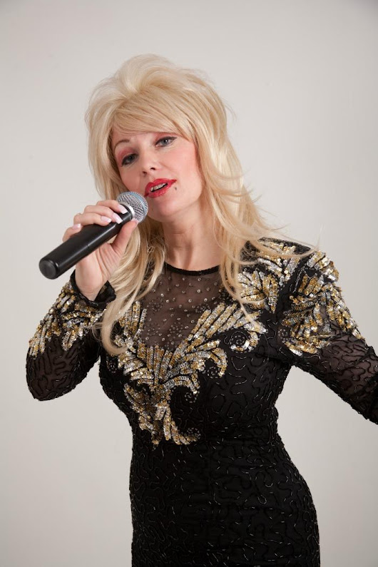 Hire Andrea Pattison is Dolly Parton | Tribute Bands | Newcastle Upon Tyne | Freak Music