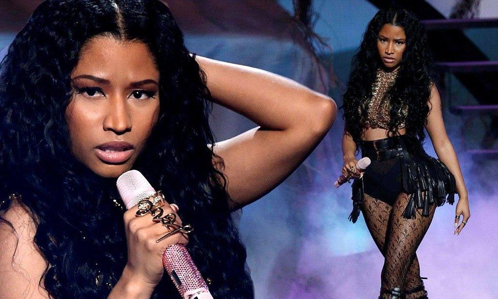 Nicki Minaj : 2014 BET Awards photo article-2674629-1F42AE5100000578-241_1024x615_large.jpg