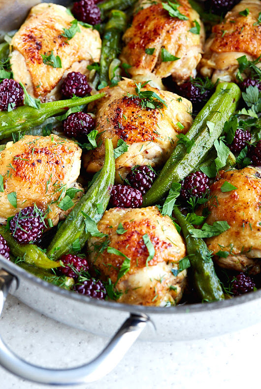 Pan-Fried Chicken Thighs with Okra and Blackberries - i food blogger