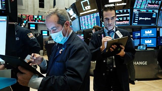 US stock futures tick up ahead of economic data