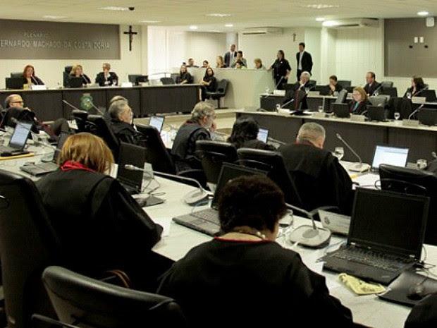Sessão que afastou juiz que trabalhou alcoolizado foi presidida pela desembargadora Iracema do Vale (Foto: TJ/Divulgação)