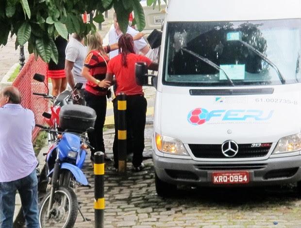 vagner love chegada flamengo (Foto: Janir Junior/Globoesporte.com)