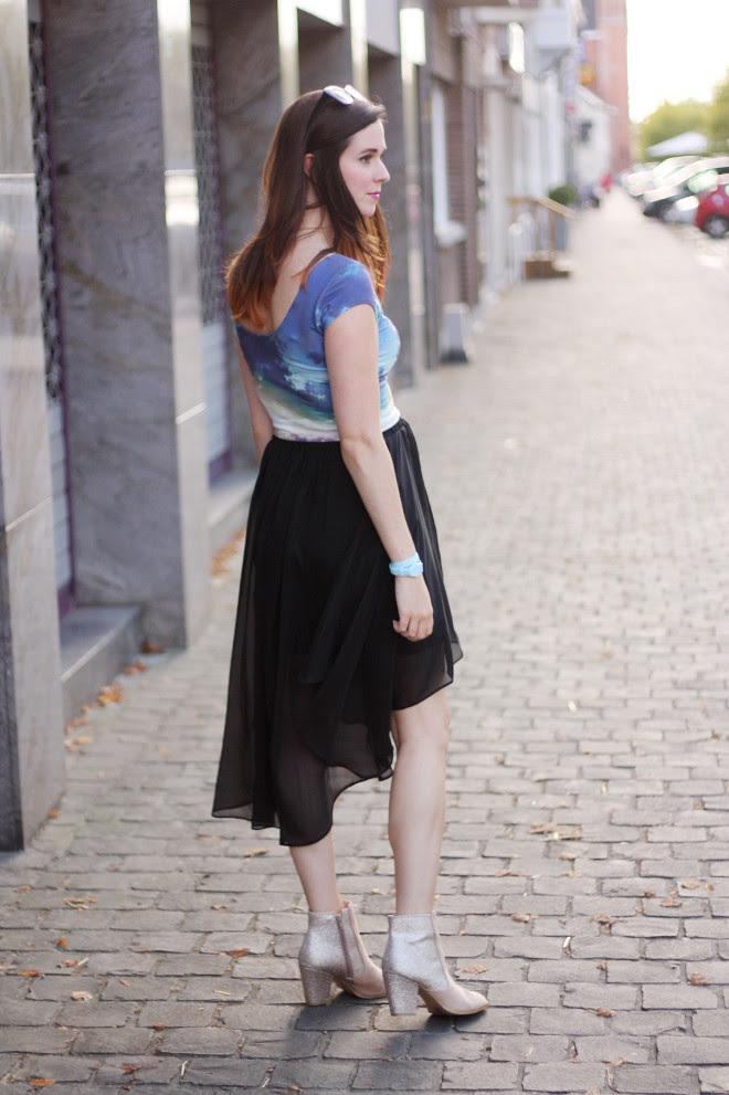 Irregular Skirt, Clouds