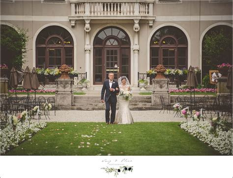 Twig & Olive PhotographyThe Armour House, Lake Forest