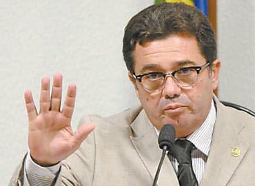O peemedebista Vital do Rêgo, na terça, em reunião da CPI