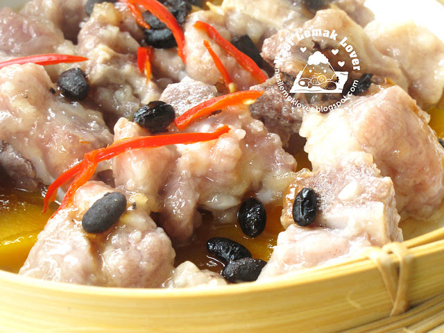 Steamed spare ribs with preserved black beans