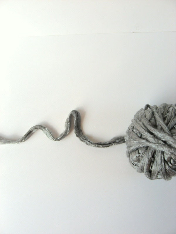 3.2 oz (90g) Mulberry Silk Roving Fiber SILVER GREY - RealfaerySupplies
