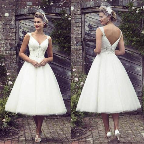New Arrival Short Lace Wedding Dresses Garden V Neck 2016
