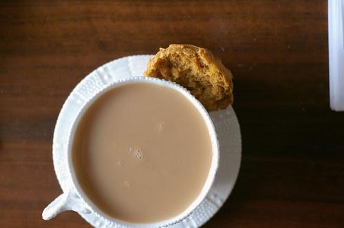 christmas tea, pumpkin muffin