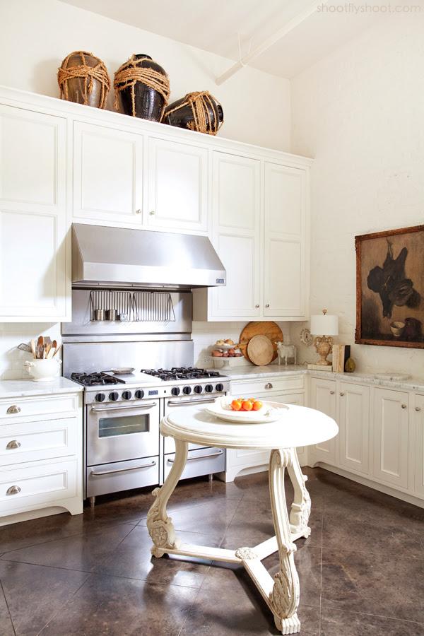 Atchison Αρχική | Κουζίνα | τσιμεντένιο πάτωμα | Λευκό ντουλάπια και Τείχη