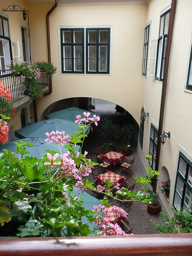 Hotel Wollner courtyard
